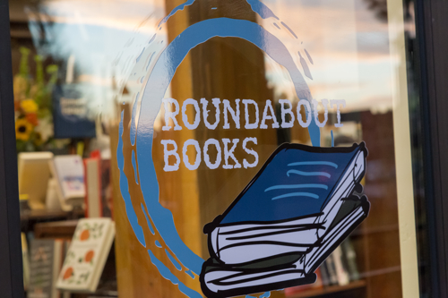 Bookstore and coffee shop in Bend Oregon hours